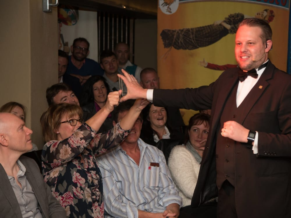 Marcel Oudejans entertaining hotel guests with magic & comedy
