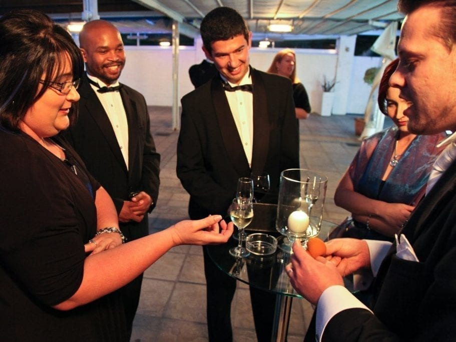 Entertaining wedding guests with Magician Marcel Oudejans